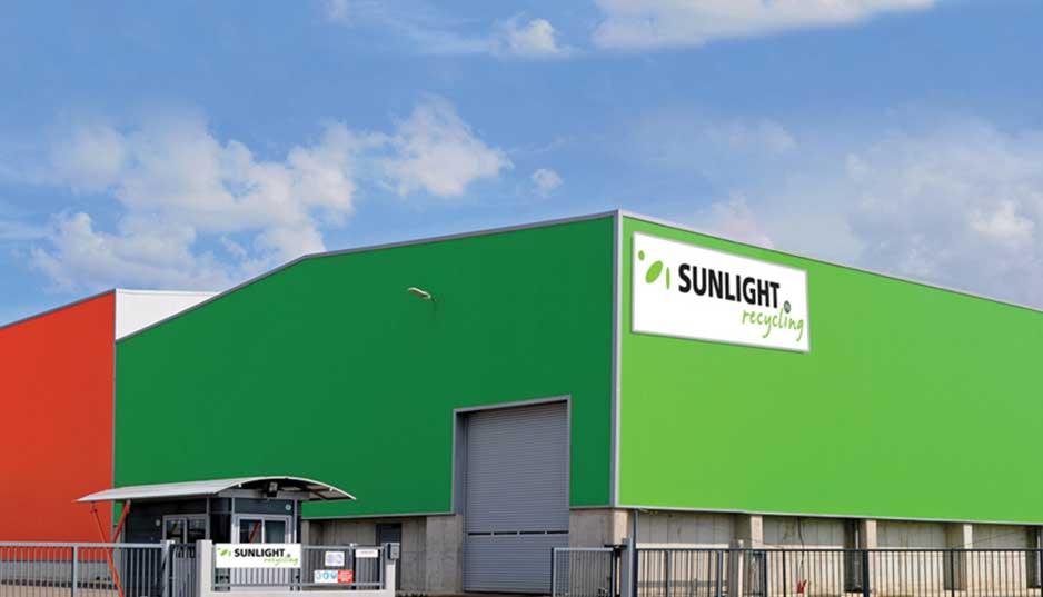 SUNLIGHT: Με προϊόντα μολύβδου και λιθίου στην αγορά της Αμερικής