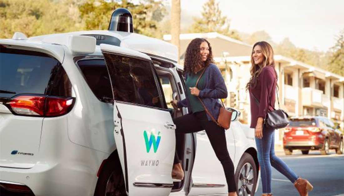 Η Google ανταγωνίζεται τις αυτοκινητοβιομηχανίες στα ρομποτικά ταξί