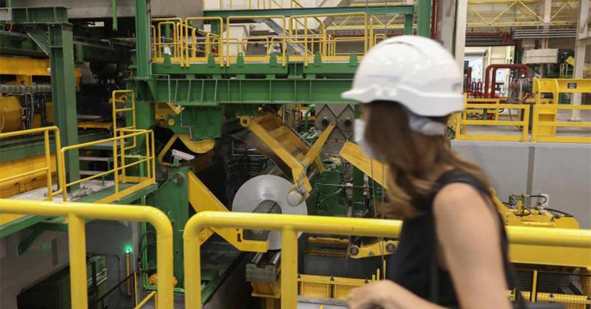 Διευρύνει τις υπερωρίες στη βιομηχανία  το νέο εργασιακό νομοσχέδιο